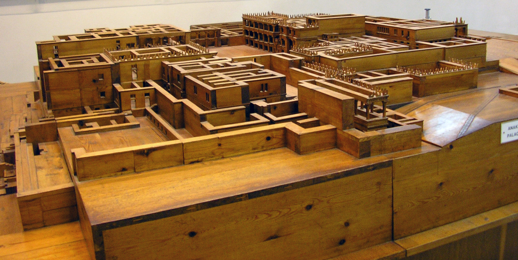Model of Knossos (source)