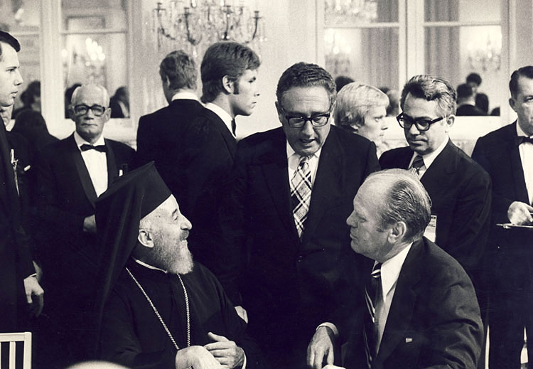 Makarios with Henry Kissinger and Henry Ford in Helsinki, in 1975 (photo)