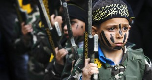 In Hamas' summer military and education camps (photo)